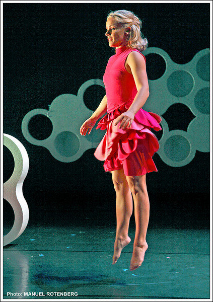 "Alicia Peterson-Baskel in ""Untitled; Center of the Unverse"" at Blurred Borders International Dance Festival 2011."
